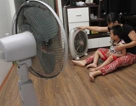 Tại sao càng ngồi quạt càng thấy khó chịu trong ngày nắng nóng cao điểm?