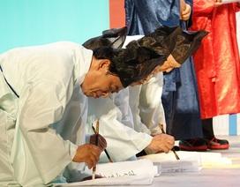 Người Sài Gòn thích thú nghi thức thi cử thời xưa của Hàn Quốc
