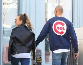 Con gái tỷ phú Topshop hạnh phúc đi mua sắm cùng bạn trai người mẫu