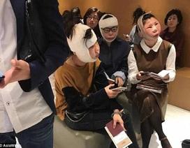 Ba phụ nữ Trung Quốc không được lên máy bay sau phẫu thuật thẩm mỹ