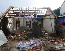 """Trở về sau trú bão, người dân chứng kiến xóm làng """"nát vụn"""""""