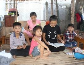 Mẹ chết, 5 chị em mồ côi thiếu ăn, sống khốn khó trong căn nhà sắp sập