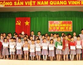 Grobest Việt Nam trao 155 suất học bổng đến học sinh nghèo Đồng Tháp, Kiên Giang