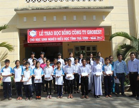 160 suất học bổng Grobest Việt Nam đến với học sinh nghèo, hiếu học tỉnh Trà Vinh