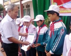 Hơn 100 học sinh nghèo tại Ninh Bình và Nam Định được nhận học bổng Grobest Việt Nam