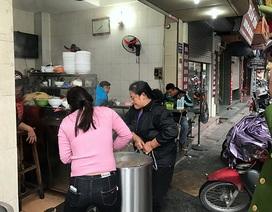 Hà Nội ra quân, người lấn chiếm vỉa hè nháo nhào chạy hàng