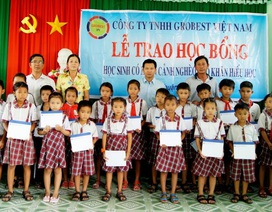 150 suất học bổng Grobest Việt Nam đến với học sinh nghèo Bình Thuận