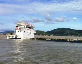 """Tan hoang vịnh biển nơi bão """"nuốt chửng"""" 10 tàu hàng, khiến 13 người chết"""
