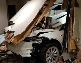 Diễn viên nổi tiếng Hàn Quốc kiện Tesla vì xe tăng tốc mất kiểm soát