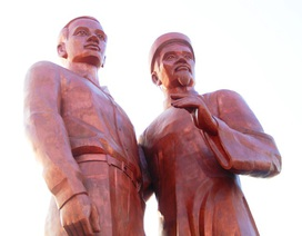 Khánh thành Tượng đài cha con Bác Hồ trên quê hương Bình Định