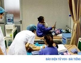 Phó Giám đốc BV Da liễu bác bỏ thông tin chữa sùi mào gà 1 lần là khỏi