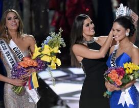 """Hoa hậu Hoàn vũ sẽ giúp Oscar xử lý… """"sự cố trao nhầm giải""""?"""