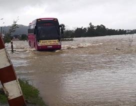 Nước lũ dâng cao, gần 3.000 nhà dân ngập nước