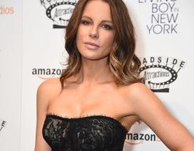 Kate Beckinsale trẻ đẹp ngỡ ngàng ở tuổi 44