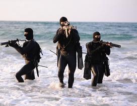 Xem đặc nhiệm Mỹ - Israel bất ngờ tập kích chiếm chiến hạm trên biển
