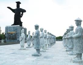 Quảng trường, tượng đài nghìn tỷ thi công 8 năm vẫn dở dang, hoang phế