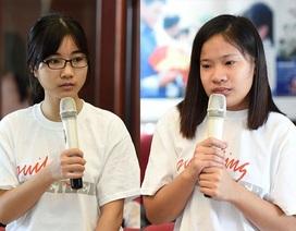 Nữ sinh làm giúp việc, dạy kèm kiếm tiền trang trải học phí