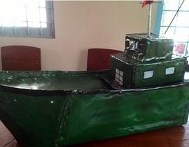 Nam sinh lớp 8 chế tạo máy bơm nước tự động trên ghe tàu