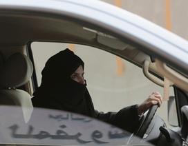Quốc gia cuối cùng trên thế giới cho phép phụ nữ lái xe