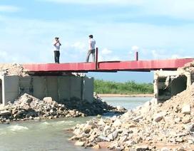 Doanh nghiệp ngang nhiên làm đường ngăn sông Ba để khai thác cát!