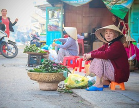 Đi chợ phiên Gia Lạc sáng đầu năm mua may mắn, tài lộc