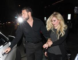 Avril Lavigne lại có bạn trai mới