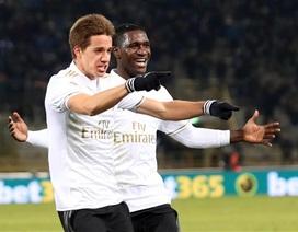 AC Milan giành chiến thắng khó tin trong thế 9 người