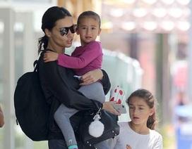 Adriana Lima và hình ảnh hiếm hoi bên 2 con gái