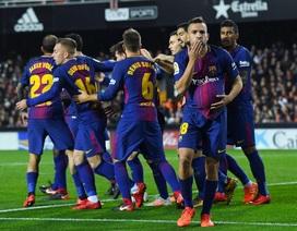 """Bị """"cướp"""" bàn thắng, Barcelona hút chết trước Valencia"""