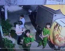 Rùng mình trước cảnh tượng thanh niên 25 tuổi bị nhóm người lạ đánh đến chết