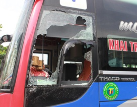 Bắt 2 đối tượng tham gia đập phá xe khách, hành hung phụ xe