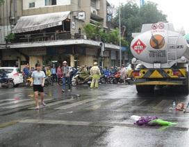 Xe bồn cán chết nữ sinh viên giữa trung tâm TP