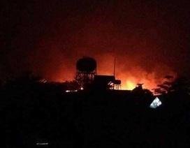 20 hộ dân di tản trong đêm vì công ty gỗ cháy lớn