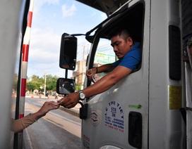 Tài xế trả tiền lẻ, trạm BOT tuyến tránh Biên Hòa xả trạm vì ùn tắc