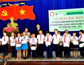 Quảng Nam: Trao hơn 600 suất học bổng đến học sinh