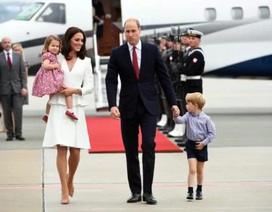 """Hoàng tử, Công chúa """"nhí"""" nước Anh đáng yêu khi công du cùng cha mẹ"""