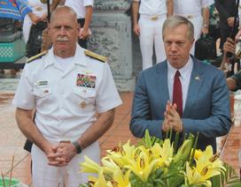 """Đại sứ Mỹ đọc """"Nam quốc sơn hà"""" khi thăm di tích sông Bạch Đằng"""