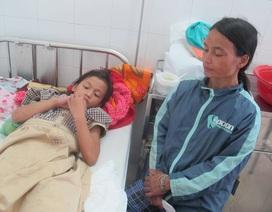 Bị bỏng nước cơm đang sôi, cô bé dân tộc Ca Dong đón Tết buồn trong bệnh viện
