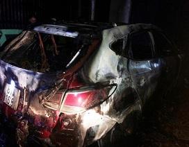 Nghi án chiếc ô tô bị đốt lúc rạng sáng