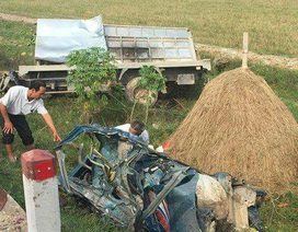 Bị xe khách tông trực diện, tài xế xe tải tử vong trong cabin