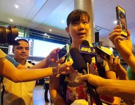 Trong vòng tay người hâm mộ, Ánh Viên tiếc nuối khi chỉ giành 8 HCV SEA Games 29