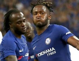 Batshuayi lập cú đúp, Chelsea vùi dập Arsenal