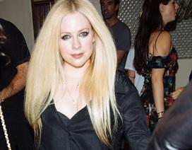 """Hình ảnh hiếm hoi về """"công chúa nhạc rock"""" Avril Lavigne"""