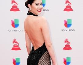 Người đẹp mặc hở bạo tại lễ trao giải Latin Grammy