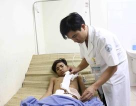 Cấp cứu thành công bệnh nhân bị đâm xuyên từ mông lên bụng