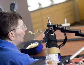 Phương pháp điều trị mới cho những người bị liệt toàn thân