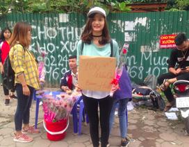 """Sự thật về tiệm hoa sinh viên """"10.000 một bông, tặng kèm cái ôm"""" đang xôn xao"""