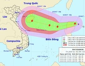 Bão Khanun sắp vào Biển Đông