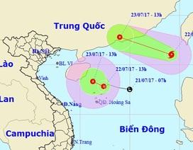 """Bão số 3 và áp thấp nhiệt đới """"song hành"""" trên Biển Đông"""