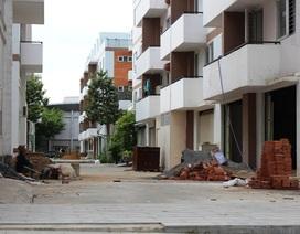 """Đại gia """"bỏ chạy"""", vùng ven TPHCM hoang tàn sau cơn sốt đất"""